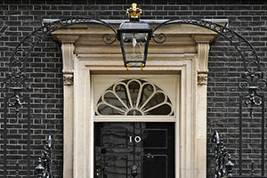 This image has an empty alt attribute; its file name is 10-Downing-St.jpg
